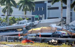 Presentan primera demanda por el hundimiento de un puente peatonal en Miami