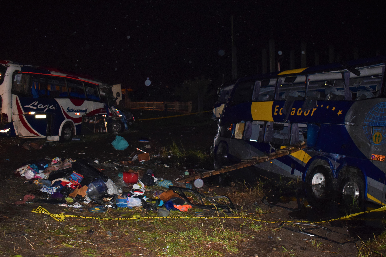 Tragedia vial deja 11 muertos y 54 heridos