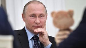 Sancionan a presentadora de radio por llamar 'primates' a votantes de Putin