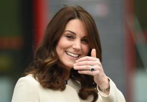 La duquesa de Cambridge cumple con sus últimos compromisos antes de dar a luz a su tercer hijo