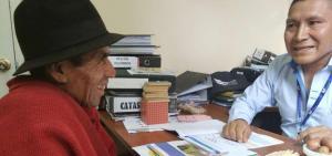 El último hielero del Chimborazo aprende a escribir su nombre