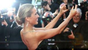 El Festival de Cannes prohíbe los selfis en la alfombra roja
