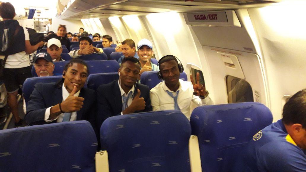 Delfín vuelve bañado de gloria al torneo local tras su triunfo ante Colo Colo