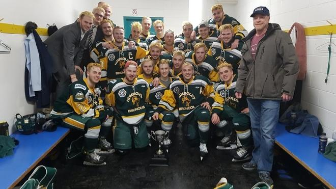 14 miembros de un equipo de hockey muertos en accidente de tráfico en Canadá