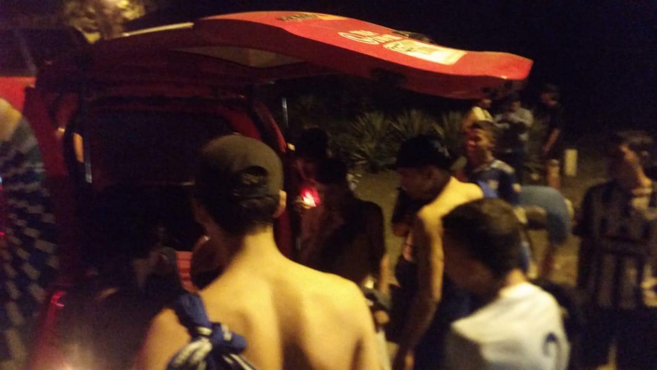 Hinchas de Emelec que regresaban a Manta protagonizaron incidentes en la vía Manabí-Guayas