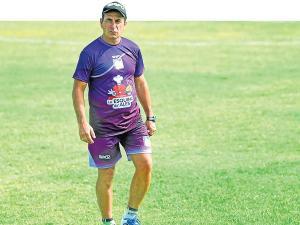 Fabián Bustos entrenador interino de Delfín SC