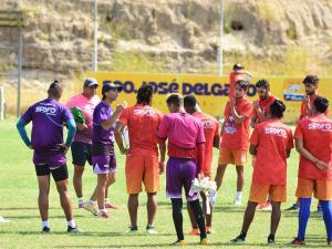 Delfín busca la victoria ante la Liga de Quito como local