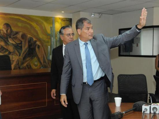 Fiscalía investiga a Rafael Correa