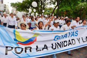 Multitudinarias marchas en varias ciudades del país por la paz y en honor a caídos en frontera