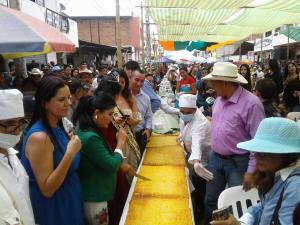 93.10 metros de largo midió la torta de choclo más grande del mundo en Paján