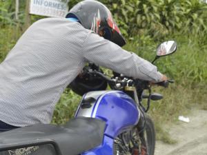 Se llevan una moto del recinto Copal