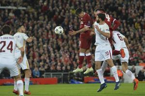 El Liverpool se acerca a la final de la Champions League tras golear al Roma (5-2)