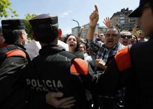 Condena por abuso sexual y no por violación genera fuerte rechazo en España