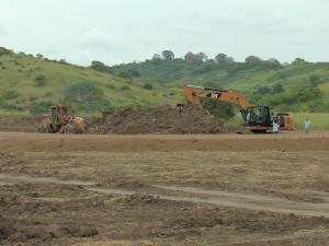 Mil viviendas serán construidas en la vía Portoviejo - Manta