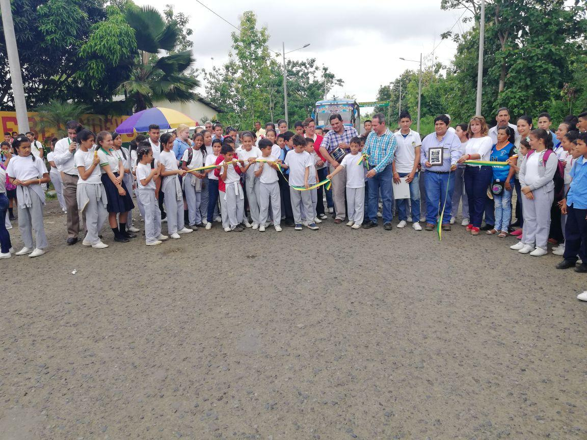 Inauguran obra en entrada La Guayas