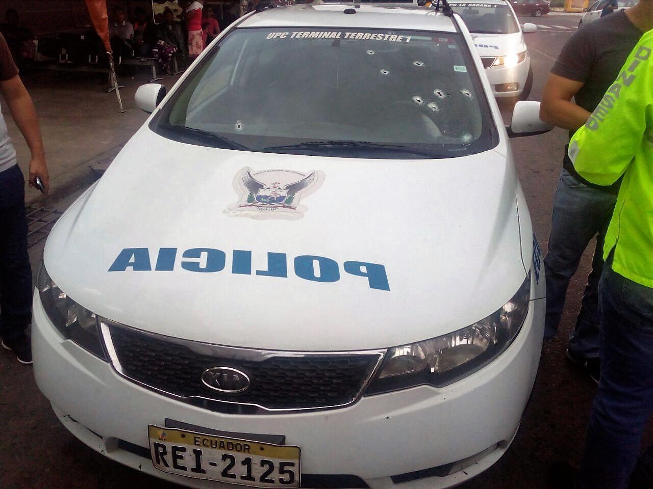 21 policías agredidos