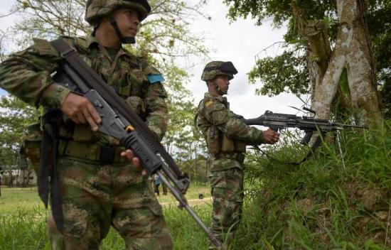 Muere soldado colombiano por mina antipersonal en zona fronteriza norte con Ecuador
