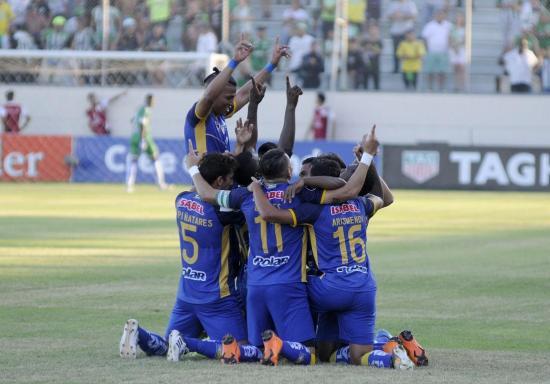 Delfín se mantiene con vida en Copa Libertadores y gana frente al Atlético Nacional