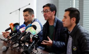 Presidente de Colombia se reúne con familiares de periodistas asesinados del diario El Comercio