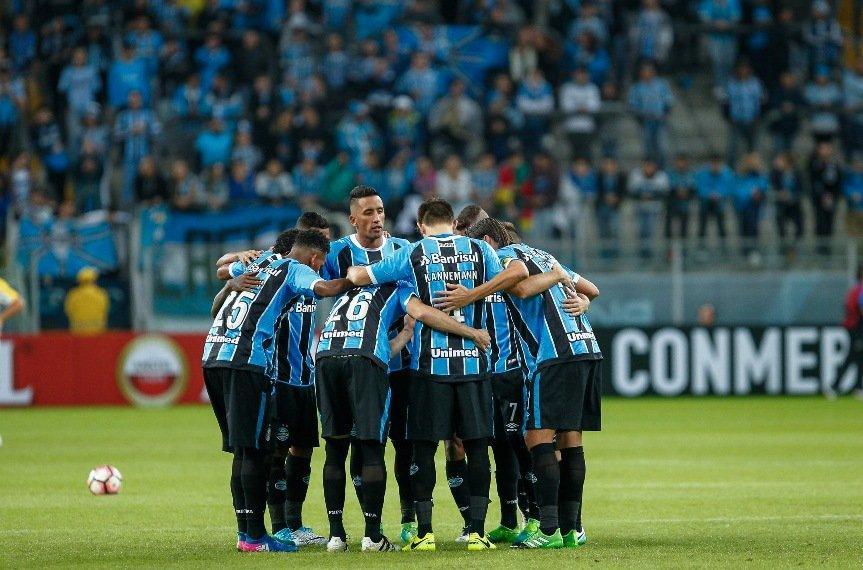 Jugadores y técnico del Gremio regresan a Brasil consternados por crisis en Venezuela
