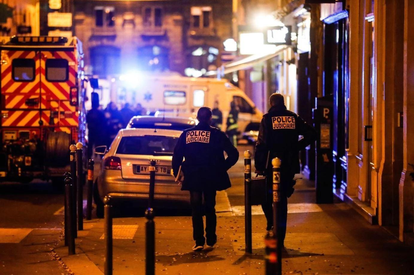 Dos mujeres detenidas en relación con el ataque con cuchillo de París