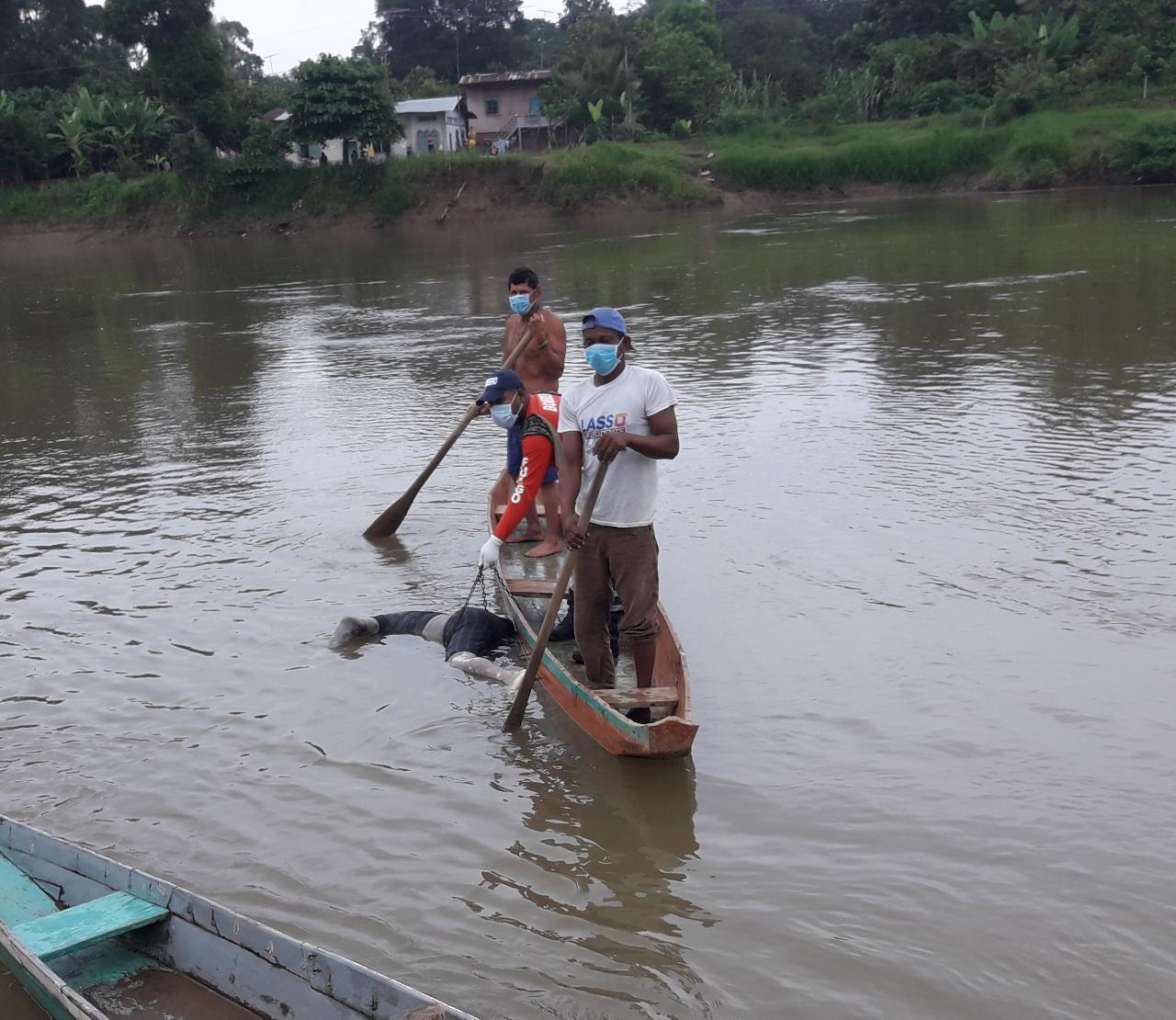 Cadáver flotó en el río