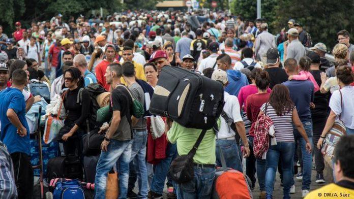 La masiva movilización de venezolanos profundiza los problemas sociales en América