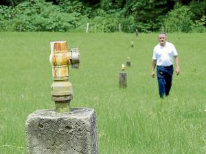 Los agricultores de cuatro cantones desesperan