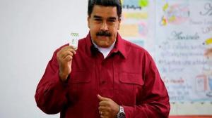 Nicolás Maduro madrugó para sufragar en búsqueda de la reelección