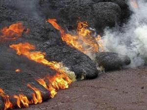 Un herido grave por una salpicadura de lava del volcán Kilauea en Hawái