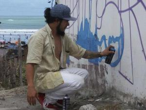 En el grafiti lleva su mensaje