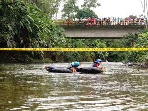 Hicieron tubing  en el río Peripa