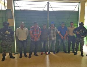 Cinco detenidos por un asesinato