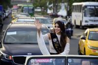Virginia Limongi recorre las calles de Portoviejo como la nueva Miss Ecuador