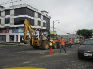 Reponen asfalto en la Esmeraldas