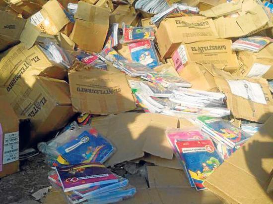 Libros no llegaron a los estudiantes, fueron a una recicladora