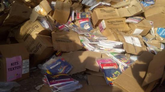 Dos funcionarios cesados de sus cargos por el caso de la venta de libros a recicladora