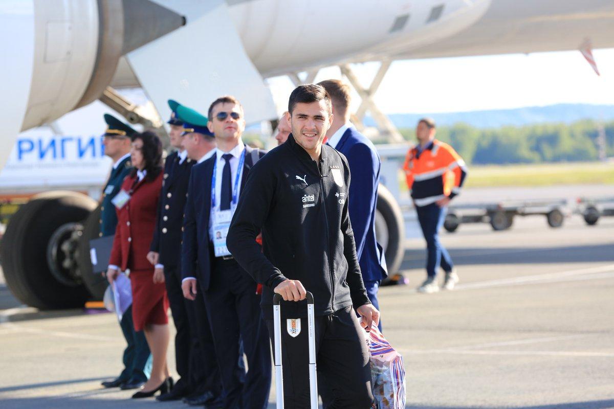 La selección de Uruguay viajó a Rusia con 180 kilos de yerba y 100 de dulces