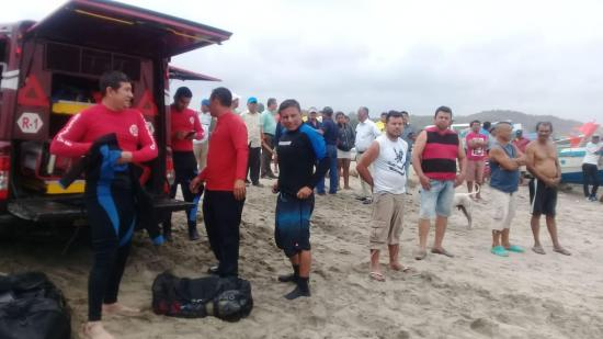 Continúa la búsqueda del joven estudiante que desapareció en la playa de Canoa