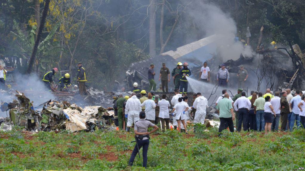 Superviviente de desastre aéreo en Cuba mejora aunque sigue en estado crítico