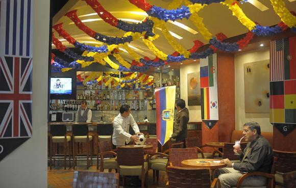 Ecuador no está en Rusia 2018, pero la fiebre del fútbol se siente en el país