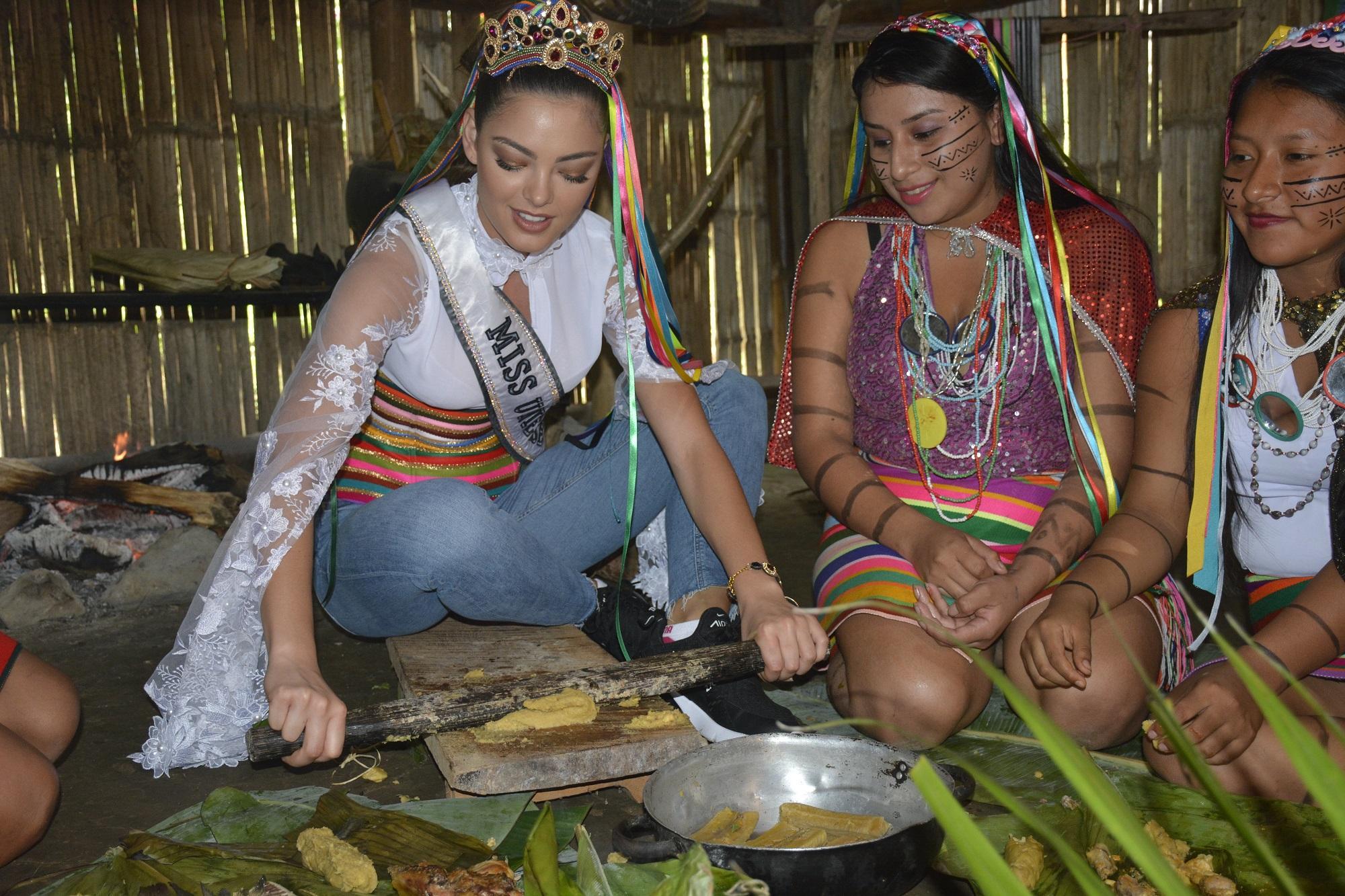La Miss Universo probó chicha y verde molido en Santo Domingo de los Tsáchilas