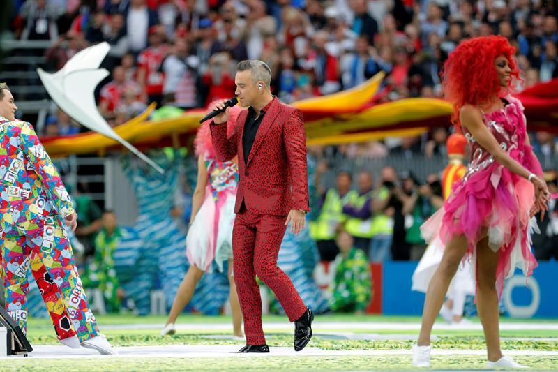 Robbie Williams inaugura el Mundial interpretando sus más sonados y recordados éxitos