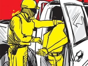 Dos agentes de la Comisión de Tránsito del Ecuador son acusados de extorsión