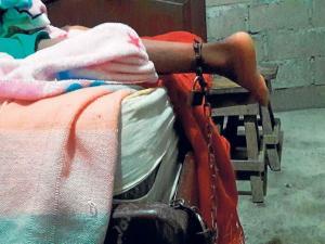 Santo Domingo: Un menor de 13 años es encadenado por consumo excesivo de drogas
