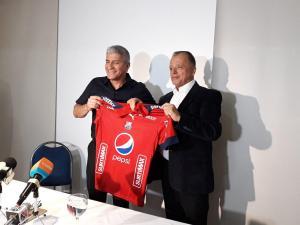 Extécnico del Delfín, Octavio Zambrano será el nuevo técnico del Independiente Medellín
