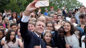 Macron regaña a un estudiante y dice que le llame ''señor Presidente o señor''