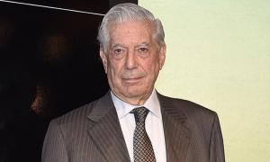 Vargas Llosa, ingresado por un hematoma y un leve traumatismo cranoencefálico