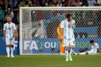 Los rostros de la derrota: argentinos lloran por la goleada frente a Croacia