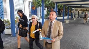Piden a la Fiscalía investigar al prefecto Mariano Zambrano y a su hijo asambleísta